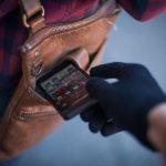 """У Дрогобичі поліція затримала """"серійну"""" викрадачку телефонів"""