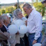 Усмішки, слова підтримки, теплі обійми: у Підбужі відбувся концерт на підтримку кандидата у депутати Романа Ілика