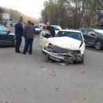 ДТП у Дрогобичі. На кільці не розминулись дваавтомобілі(ФОТО)