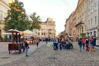 Lviv-Market-Square_edited.jpg